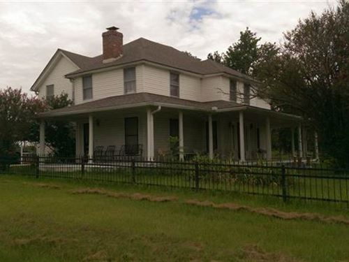 Home With Land : Clarksville : Red River County : Texas