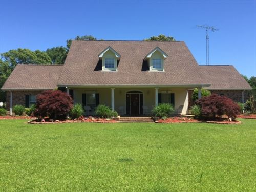 Gorgeous Home On 10 Acres In Osyka : Osyka : Pike County : Mississippi