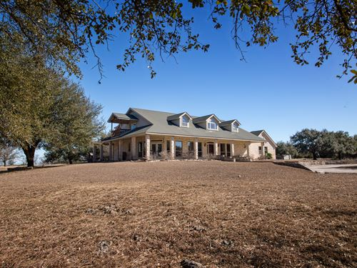 102 Ac, Custom Home, Pool : Salado : Bell County : Texas