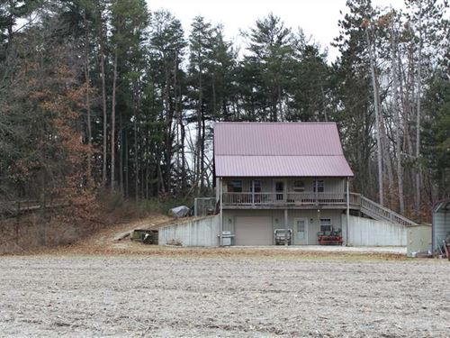 25 Acre Down in The Holler Home in : Winamac : Pulaski County : Indiana
