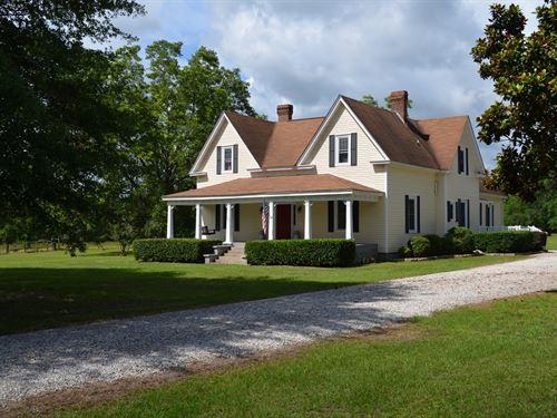 Historic Home On 18 Acres : Opelika : Lee County : Alabama
