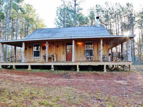 Hunting Lodge Guest Cabin Lake For : Gloster : Amite County : Mississippi