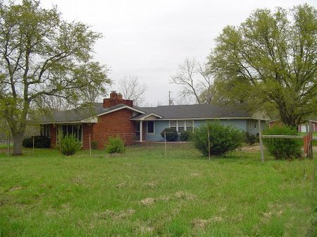 Country Home With Acreage : Mathews : Montgomery County : Alabama