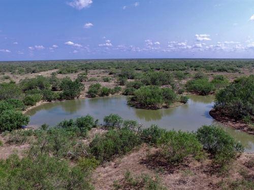Noche Buena Ranch : Linn : Hidalgo County : Texas