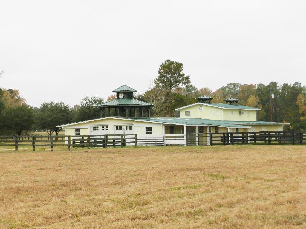 Greenbriar - Building + 10 Acres : Brunson : Hampton County : South Carolina