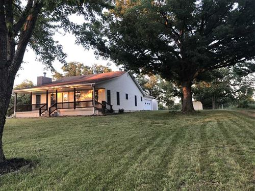 Beautiful Country Home on 80 Acres : Lebanon : Laclede County : Missouri