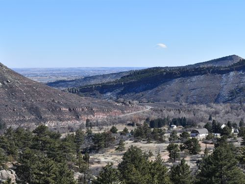 Apple Ridge Retreat On The St. Vrai : Lyons : Boulder County : Colorado
