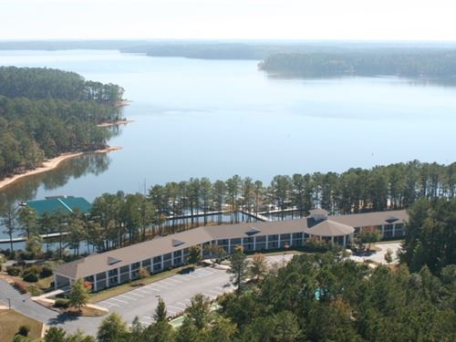 Auction - Savannah Lakes Lodge : McCormick : South Carolina