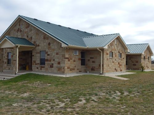 4 Bdrm 4 Bath, 11 Acres, Troy Isd : Temple : Bell County : Texas