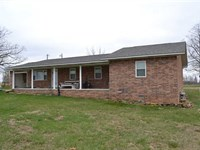 10 Acres And Brick Home in The : Marshall : Searcy County : Arkansas