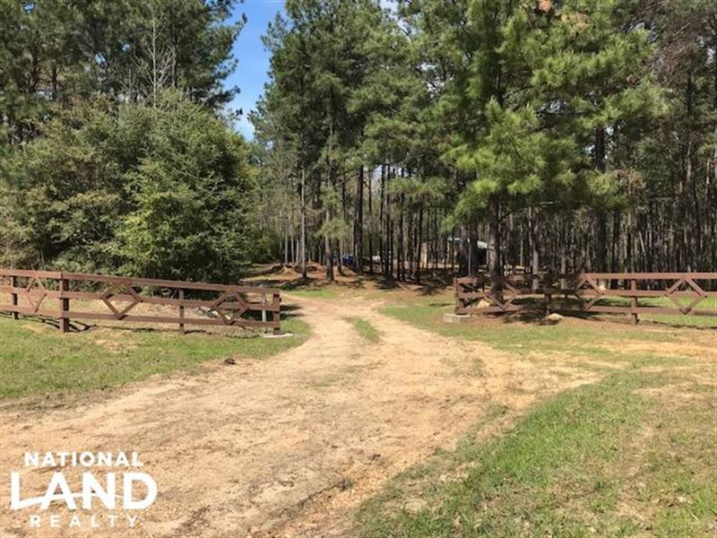 Busy corner road retreat ranch for sale liberty for Ranches for sale in mississippi