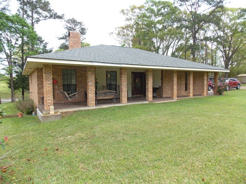 1026 hwy 48 e tylertown ranch for sale tylertown for Ranches for sale in mississippi