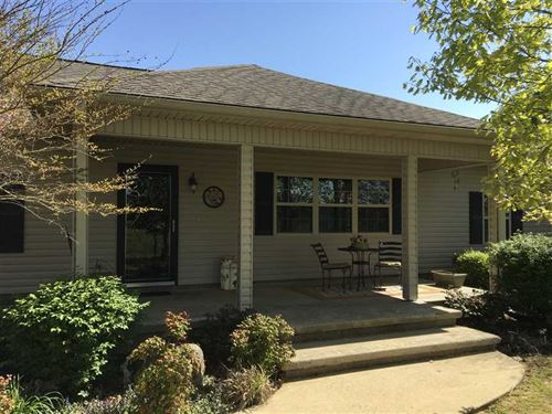 This 3 Bedroom 1.5 Bath Home With : Cave City : Sharp County : Arkansas