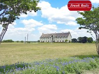109.88 Acres With Two-Story Home : Burlington : Bell County : Texas