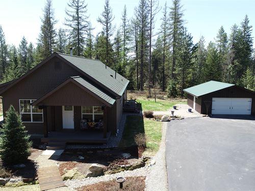 Hidden Ridgetop Estate With Gated : Newport : Pend Oreille County : Washington