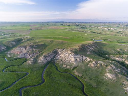Volk Ranch : Sentinel Butte : Golden Valley County : North Dakota