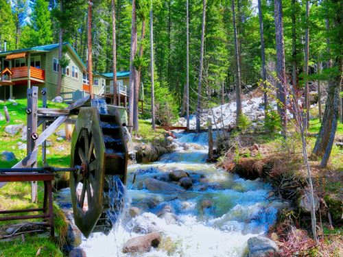 Rustic Retreat : Philipsburg : Granite County : Montana