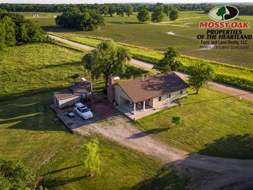 2 Bedroom 1 Bath House And 19 Acres : Neodesha : Wilson County : Kansas
