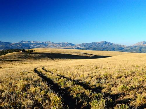 Cabin On The Hilltop : Westcliffe : Custer County : Colorado