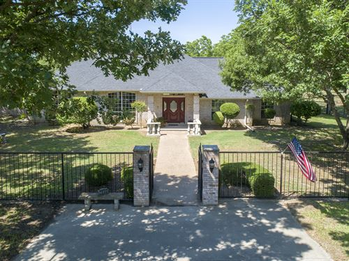 Custom Home On 15+ Acres : Stephenville : Erath County : Texas