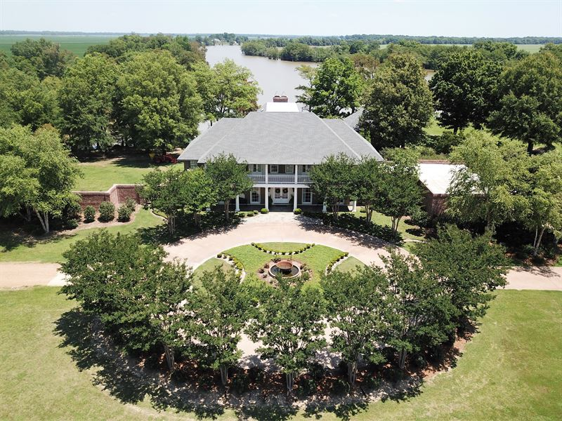Cypress Point Plantation : Ranch for Sale : Yazoo City : Yazoo County :  Mississippi