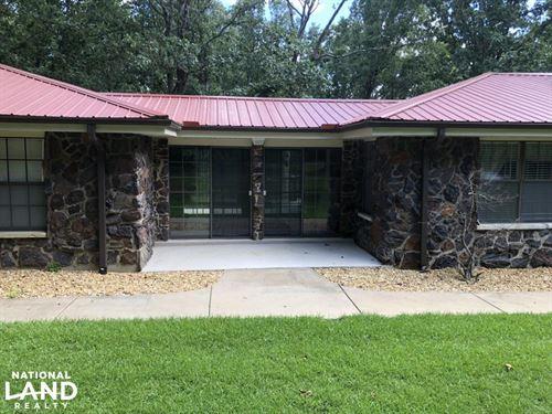 Home With Timberland : Vina : Marion County : Alabama