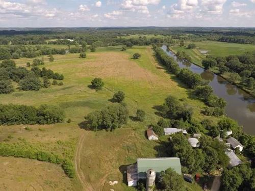 200 Acres on The Fox River in Gree : Princeton : Green Lake County : Wisconsin