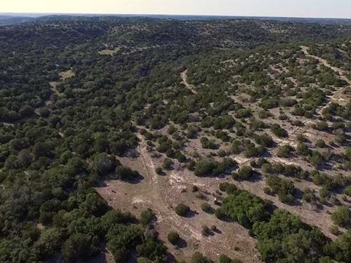 Los Pinones Altos Ranch, 300 Acres : Rocksprings : Edwards County : Texas