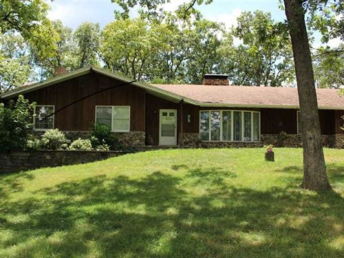 Home With Acreage And Pond in Desi : Jefferson City : Cole County : Missouri