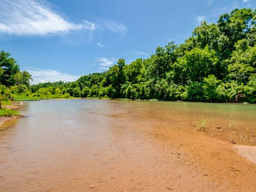 681 Ac Piney River Estate : Nunnelly : Hickman County : Tennessee