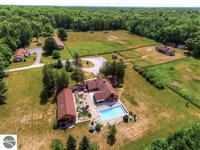 Gorgeous 243 Acres With 3 Homes : Glennie : Alcona County : Michigan