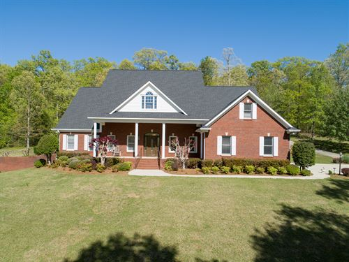 Dream Setting And Dream Home : Crane Hill : Cullman County : Alabama