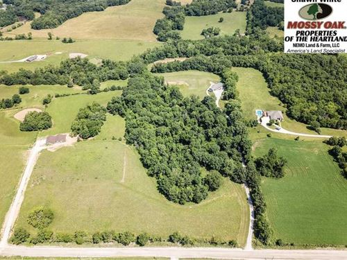 Gorgeous Secluded Home on 17 Priva : Hannibal : Ralls County : Missouri
