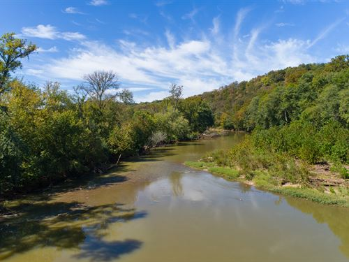 135 Acres On The Duck River : Santa Fe : Maury County : Tennessee
