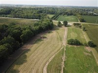 14 Acre Private Setting Along Pipe : Frankton : Madison County : Indiana