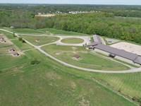 Luxury Equestrian Home And Ranch : Farmington : Ontario County : New York