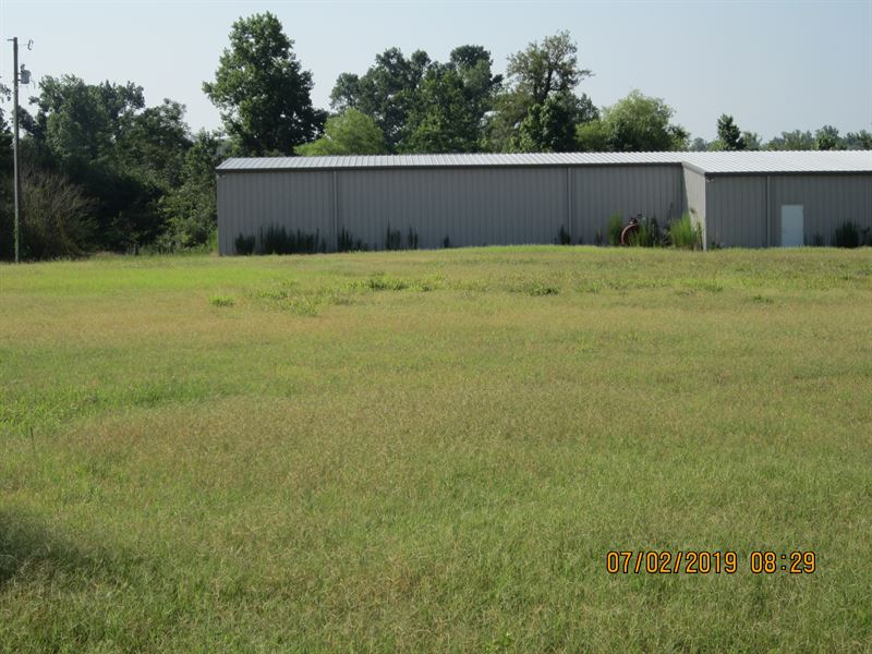 Building, Land with 7 Acre Pond : Clinton : Sampson County : North Carolina