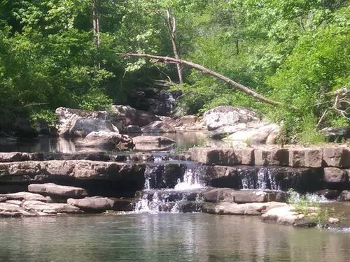 Hunter's Paradise : Leslie : Searcy County : Arkansas