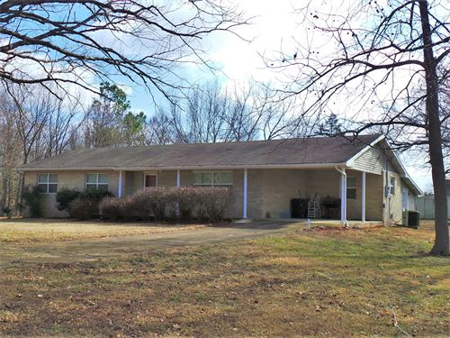 Brick Home in Country on 12 Acres : Yellville : Marion County : Arkansas