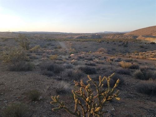 Windmill Ranch Property, Wickieup : Kingman : Mohave County : Arizona