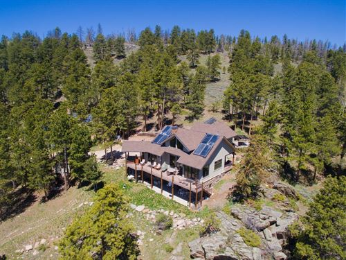 Cherokee Park Aspen Lodge, Luxury : Livermore : Larimer County : Colorado