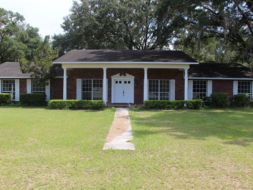 Spacious 5 Bedroom Home Outside : Newberry : Alachua County : Florida