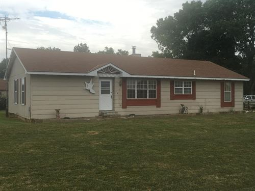 525 Sycamore Rd Bronson, KS 66716 : Bronson : Bourbon County : Kansas