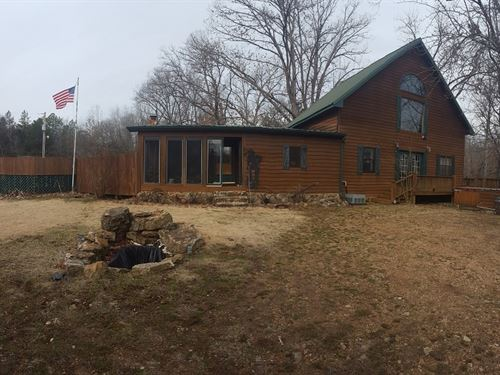 Country Home With Acreage For Sale : Doniphan : Ripley County : Missouri