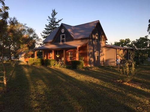 Hobby Farm In Missouri : Drury : Douglas County : Missouri