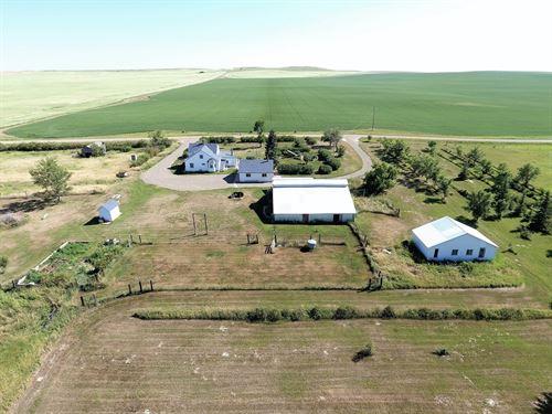 Montana Hobby Farm, Home, Barn : Bloomfield : Dawson County : Montana