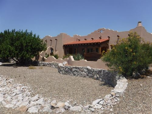 Fantastic Ranch Home 50 Acres : Hillsboro : Sierra County : New Mexico