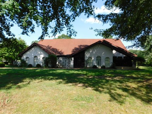 Tn Farm Spanish Style Home, Barn : Adamsville : Hardin County : Tennessee
