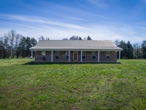 Farm Tennessee, Crop Land, Barn : Middleton : Hardeman County : Tennessee