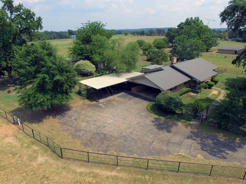 East Tx Country Home & Acreage : Ranch for Sale : Poynor